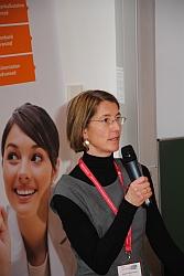 Elisabeth Maier-Gabriel bei ihrem Vortrag