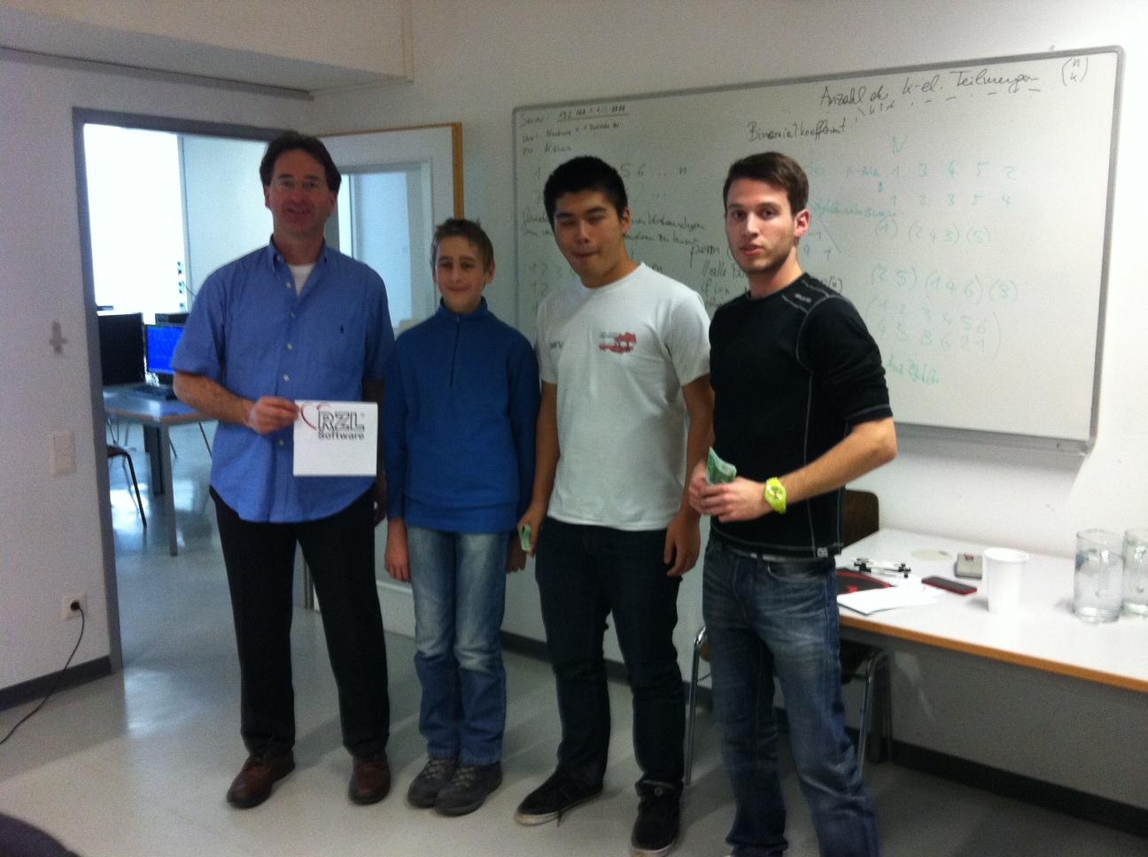 Gerald Stürzlinger von RZL, Peter Ralbovsky, Gary Ye (Bronzemedaille) und Thomas Tangl