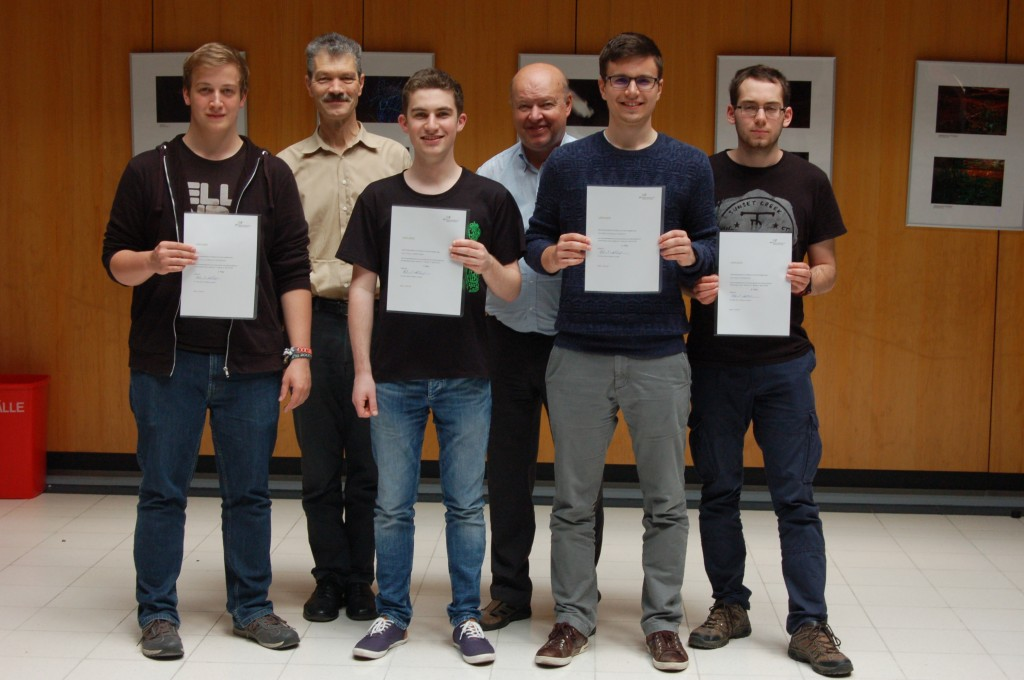 v.l. Simon Lehner-Dittenberger, Florian Leimgruber, Miklós Horvárth, Stefan Kurzbauer; Dr. Fellner und Mag. Achleitner in der 2. Reihe