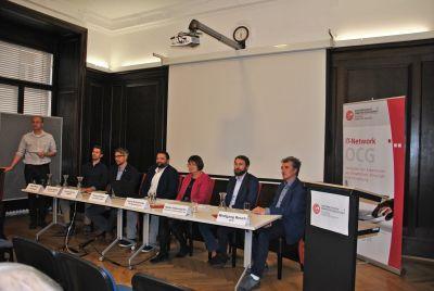 v.l.n.r.: E. Weippl (stehend), J. Pöttinger, G. Goluch, T. Pfeiffer, I. Schaumüller-Bichl, W. Hötzendorfer, W. Resch