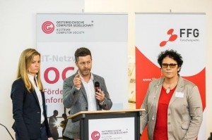 Victoria Purns, Wolfgang Leitner und Moderatorin Claudia Rauch am Podium